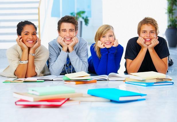 Du học sinh nên cân nhắc kỹ lưỡng trong việc chọn trường trung học phù hợp.
