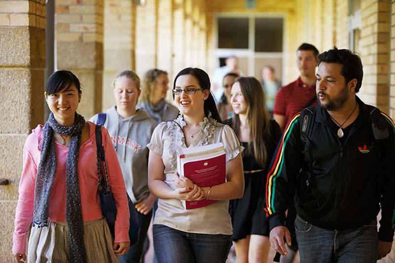 Trường có nhiều chính sách hỗ trợ sinh viên quốc tế đang học tập tại đây